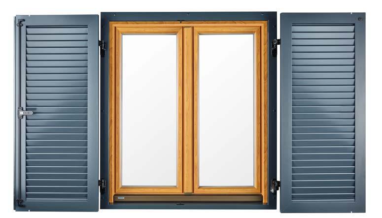 Fensterläden mit Montagerahmen